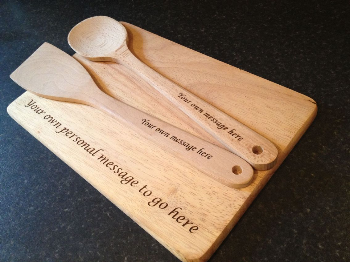 Personalised engraved wooden spoon spatula and chopping board - Engraved wooden chopping boards ...